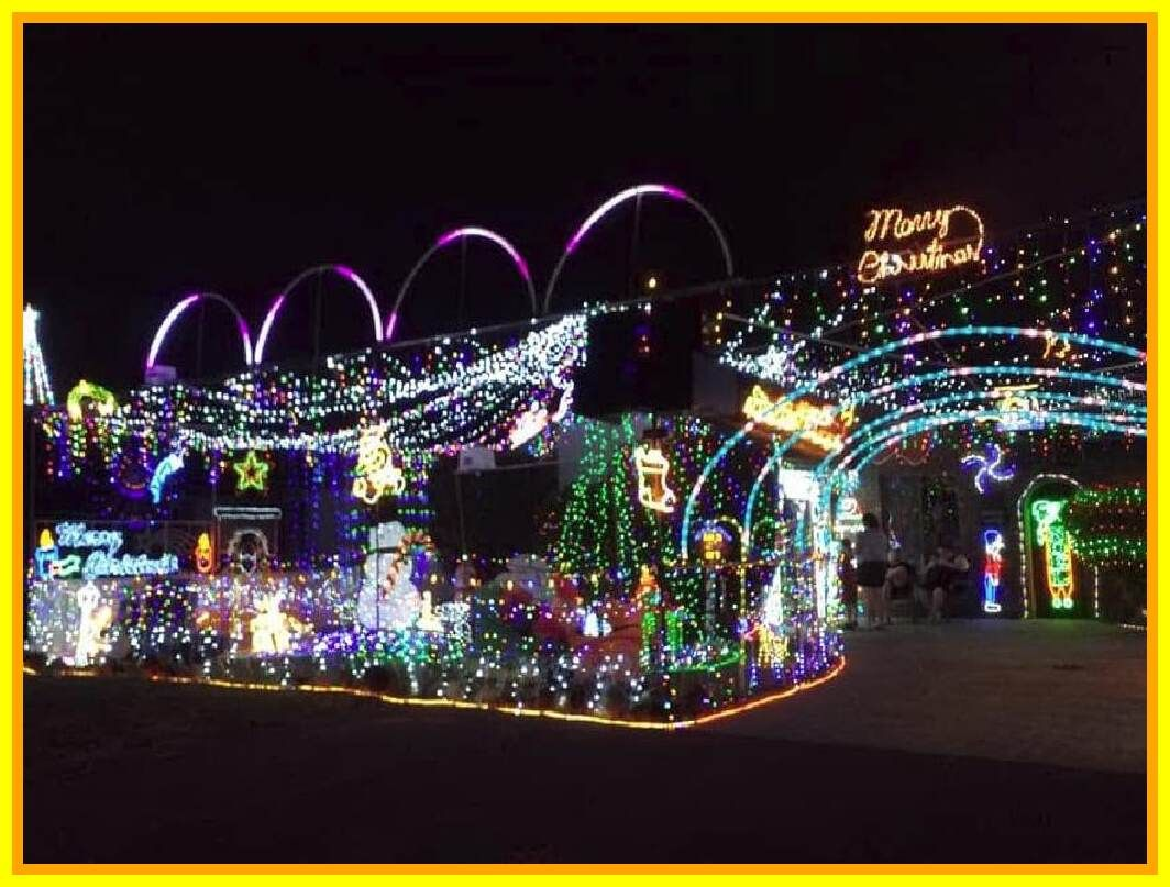 63 Reference Of Christmas Light Street Gold Coast In 2020 Christmas Lights Christmas Door Decorations Cool House Designs