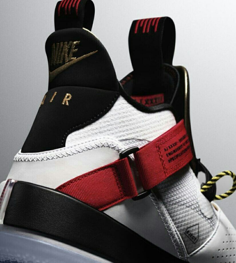 587ec579263 FEET: Air Jordan XXXIII. Provides a more consistent fit across the entire  shoe with just one pull using FastFit lockdown technology.