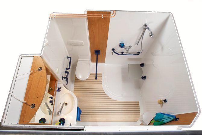 Salle de bain de fabrication française comprenant, un wc, un lavabo - prise de courant dans salle de bain