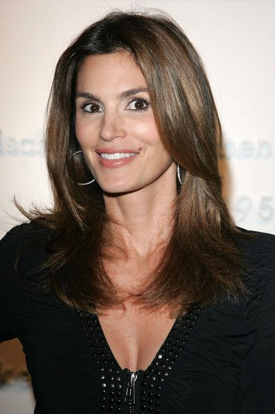 more pics of cindy crawford medium straight cut On coupe de cheveux cindy crawford mi long