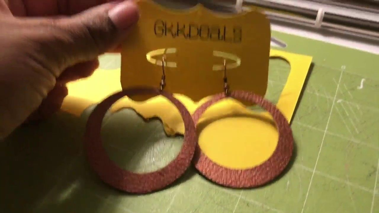 How to make earring cards on Design Space and Cricut