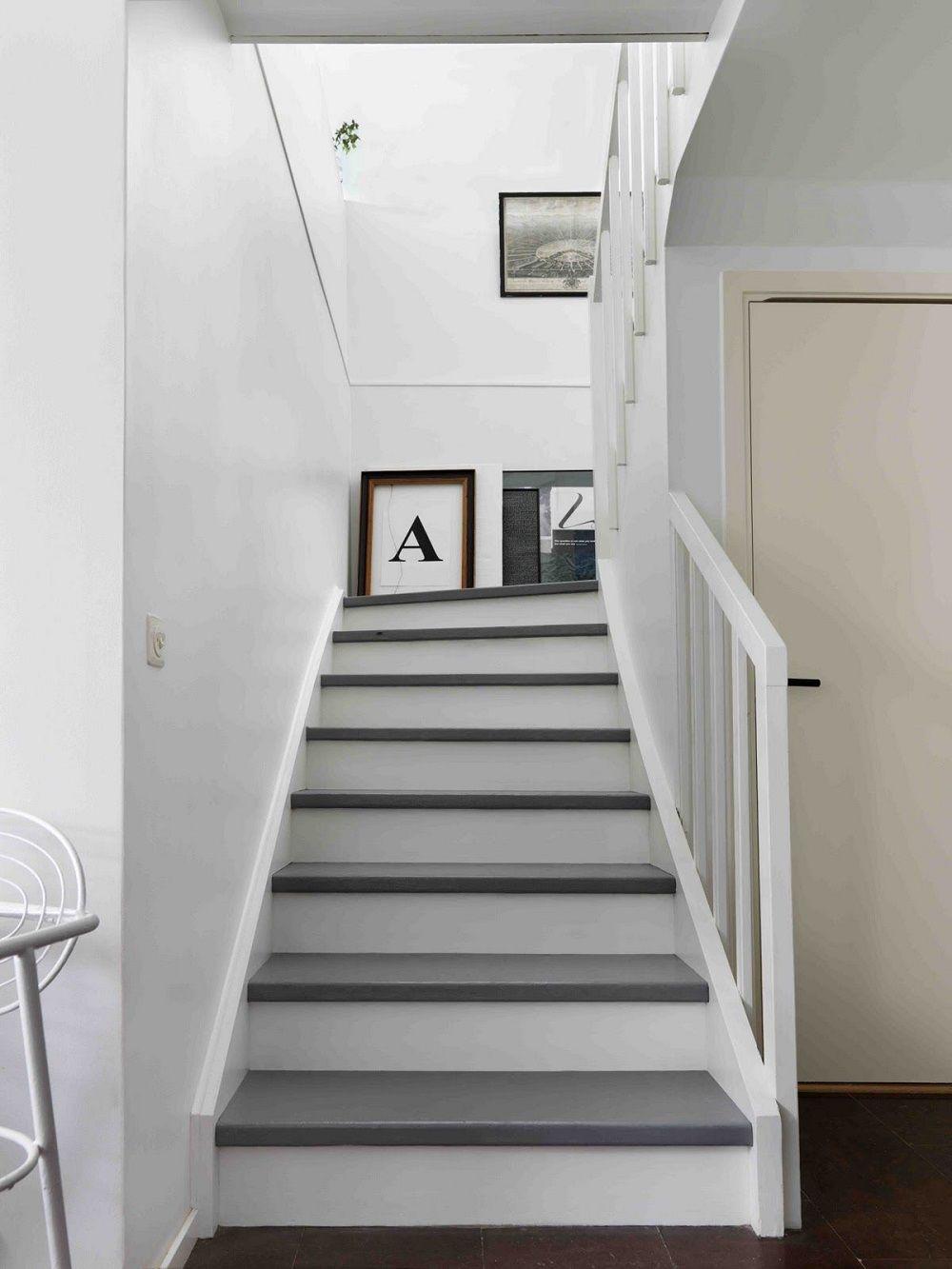 Escalier Blanc Avec Marches Bois Peint Gris Escalier Blanc Escalier Relooking Escalier Peint