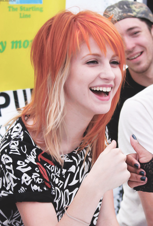 Pin By Kasey Blizzard On Hayley Williams Hayley Williams Haircut Hayley Williams Haley Williams Hair