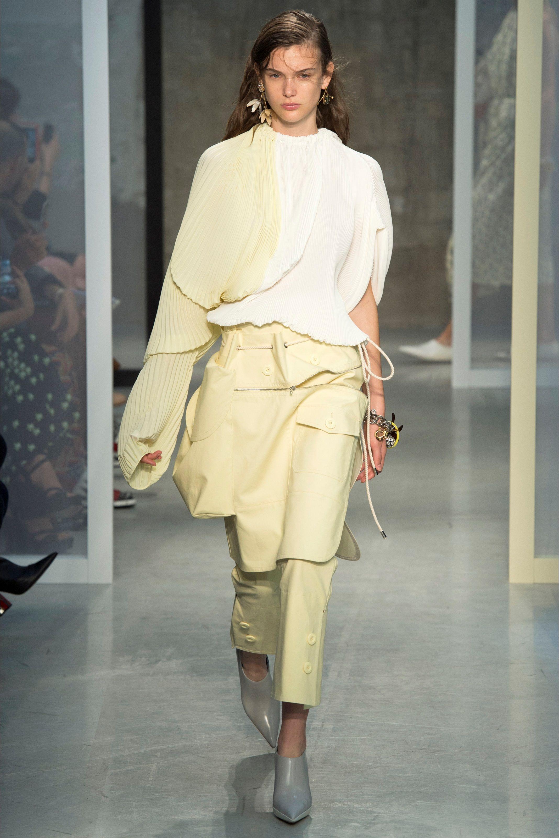 4fe342d15f Sfilata Marni Milano - Collezioni Primavera Estate 2017 - Vogue   My ...