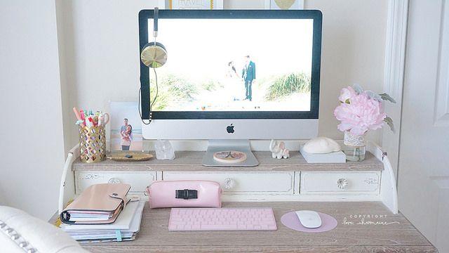 #schreibtisch #büro #layout #design #interior #möbel #einrichten #ideen ·  Desk OfficeOffice SpacesHome ...