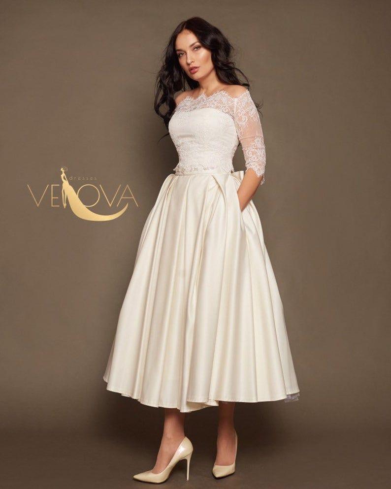 Short Lace Wedding Dress Tea Length Wedding Dress Long Sleeve Etsy In 2020 Short Lace Wedding Dress Wedding Dress Long Sleeve Tea Length Wedding Dress [ 993 x 794 Pixel ]