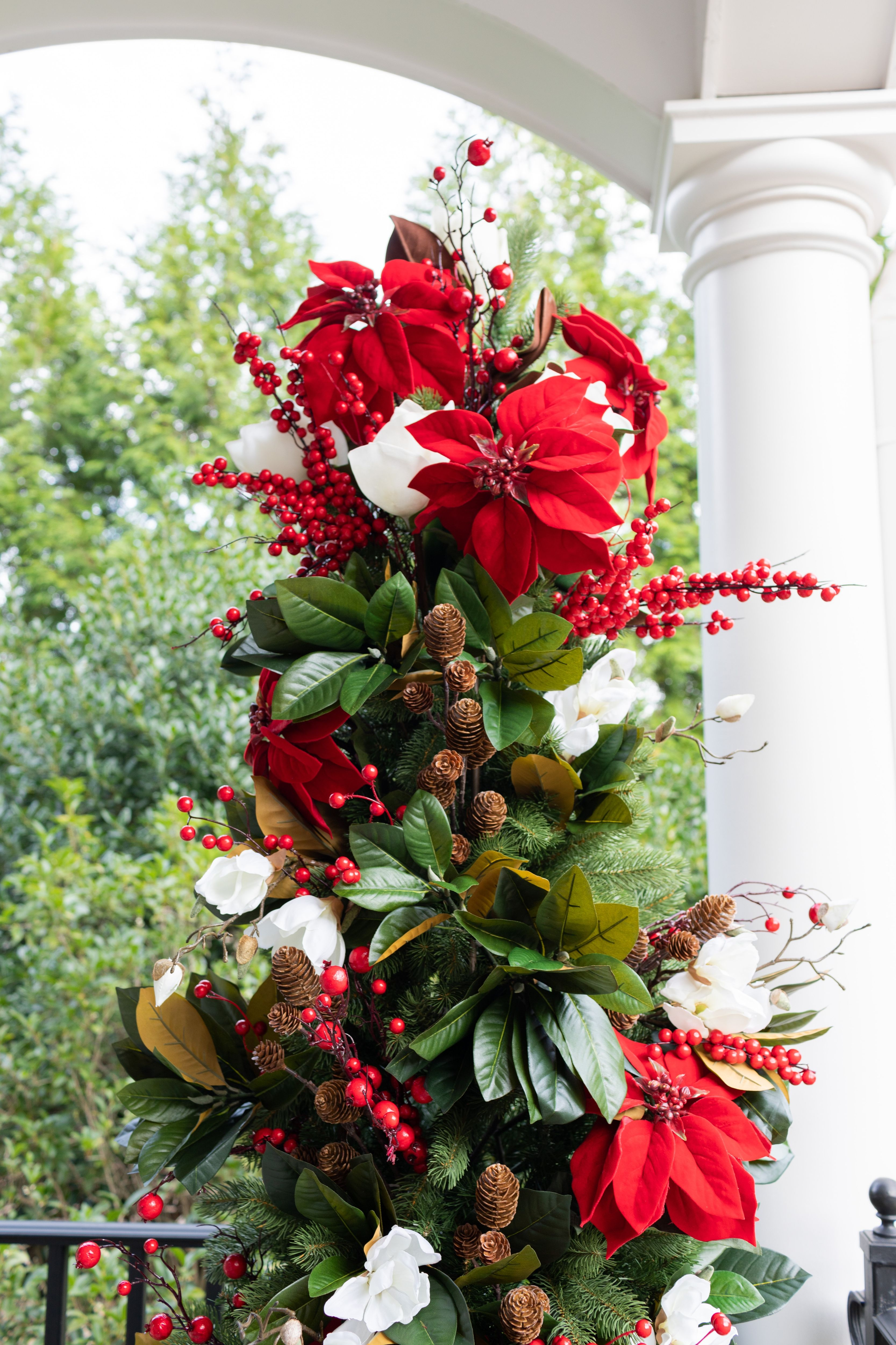 Style your Christmas Tree with Red Poinsettia flowers from Afloral.com. Image by @bluegraygal #poinsettia #fakeflowers #christmastree