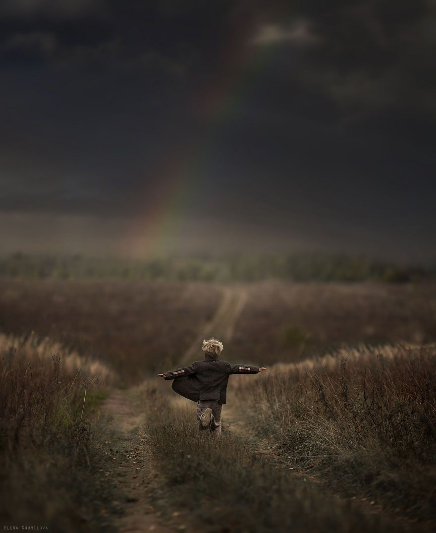 Russian mother takes magical pictures of her two kids with animals on her farm http