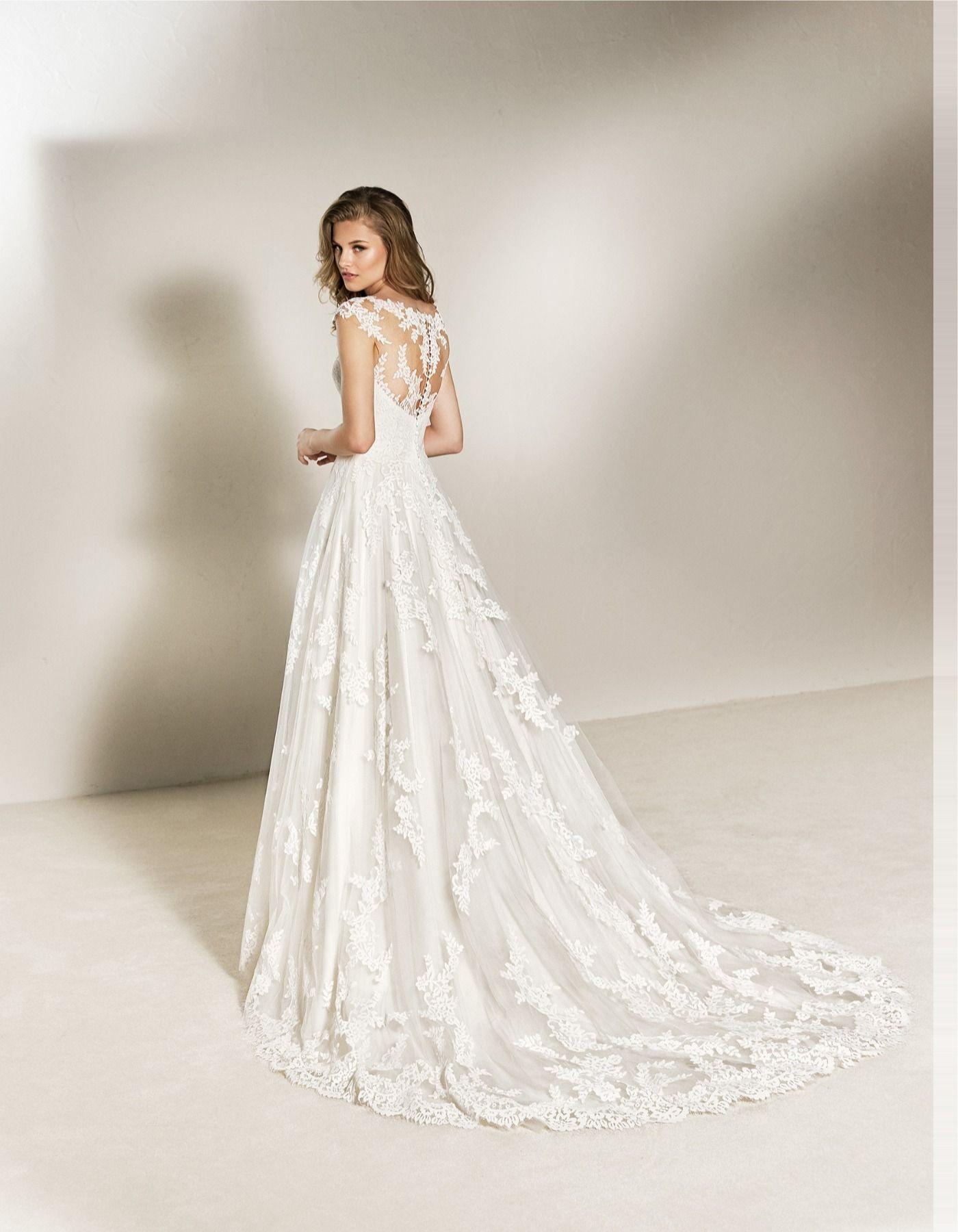 Charlotte Pronovias Wedding Dress Short Wedding Gowns Wedding Dresses [ 1800 x 1400 Pixel ]