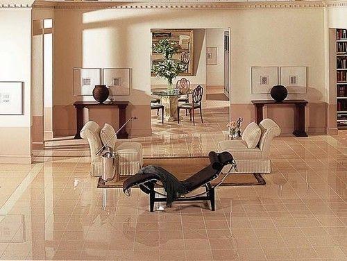Elegant Hochglanz Fliese Bodenbelag Setzt, Die Der Ton Auf Diesem Boden Bis Zur  Decke Creme Schattiert