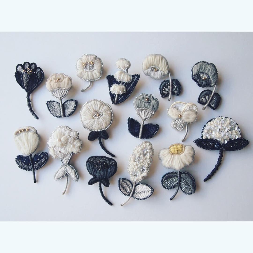 1,104 個讚,6 則留言 - Instagram 上的 acou:(アク)embroidery(@acou28):「 おはようございます . 今週29日、30日は恵比寿HALOにてrehellinenさんの受注販売会です . . ドレスコード「white×black×glencheck」… 」