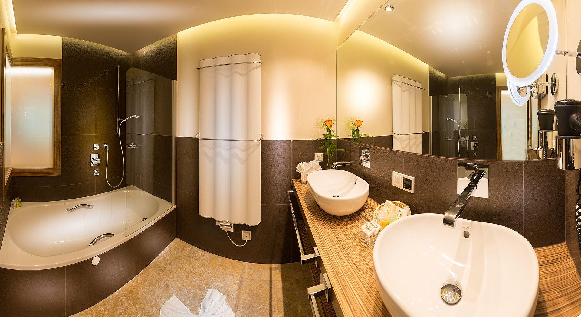 Badezimmer Hotel ~ Neue panorama familiensuiten badezimmer verwöhnhotel berghof 4