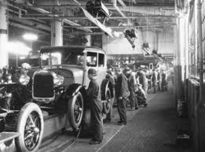 Old Ford Assembly Line Ford Motor Company Ford Motor Vintage Cars
