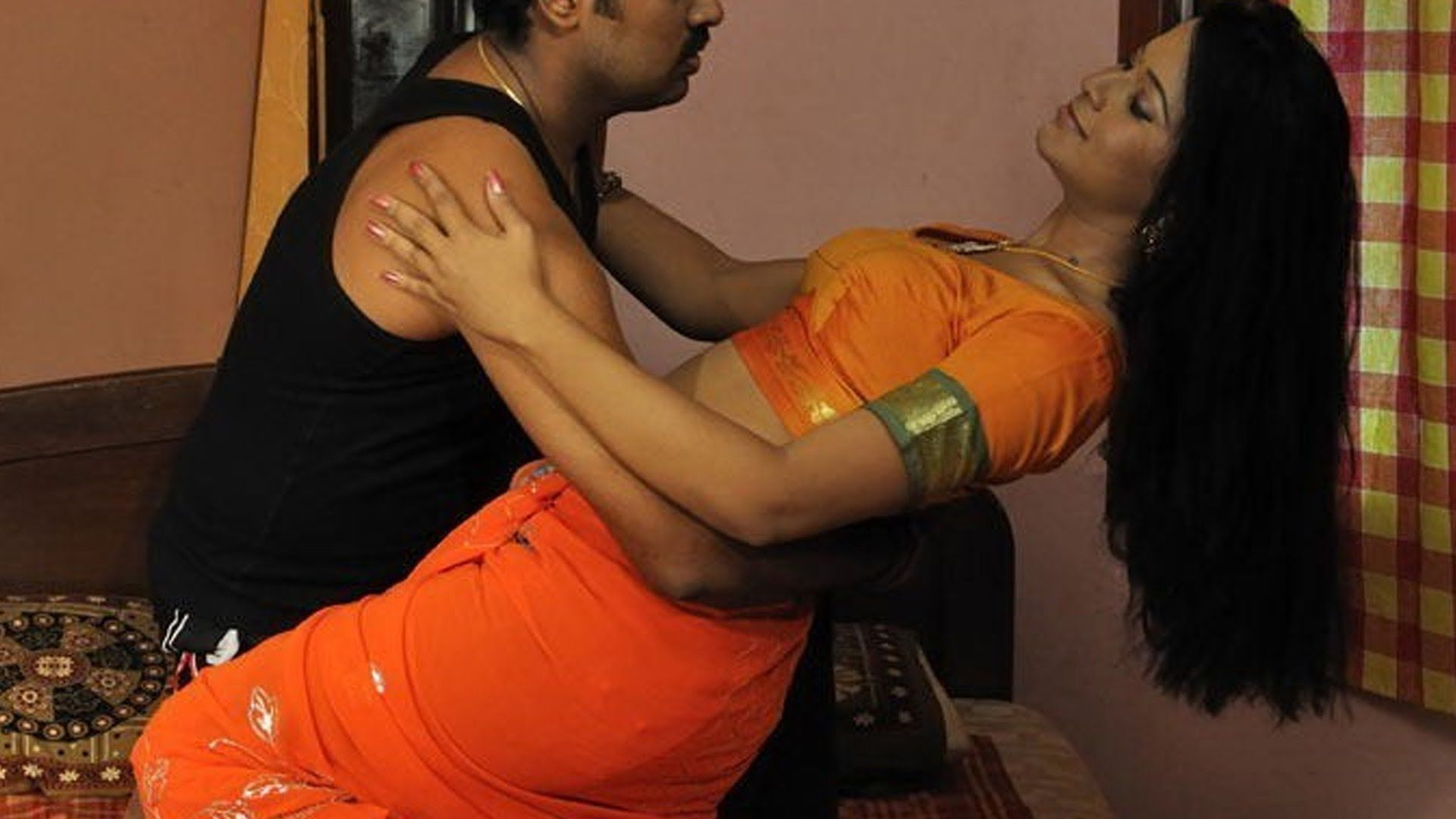 South Indian Tamil Aunty Romance With Thief