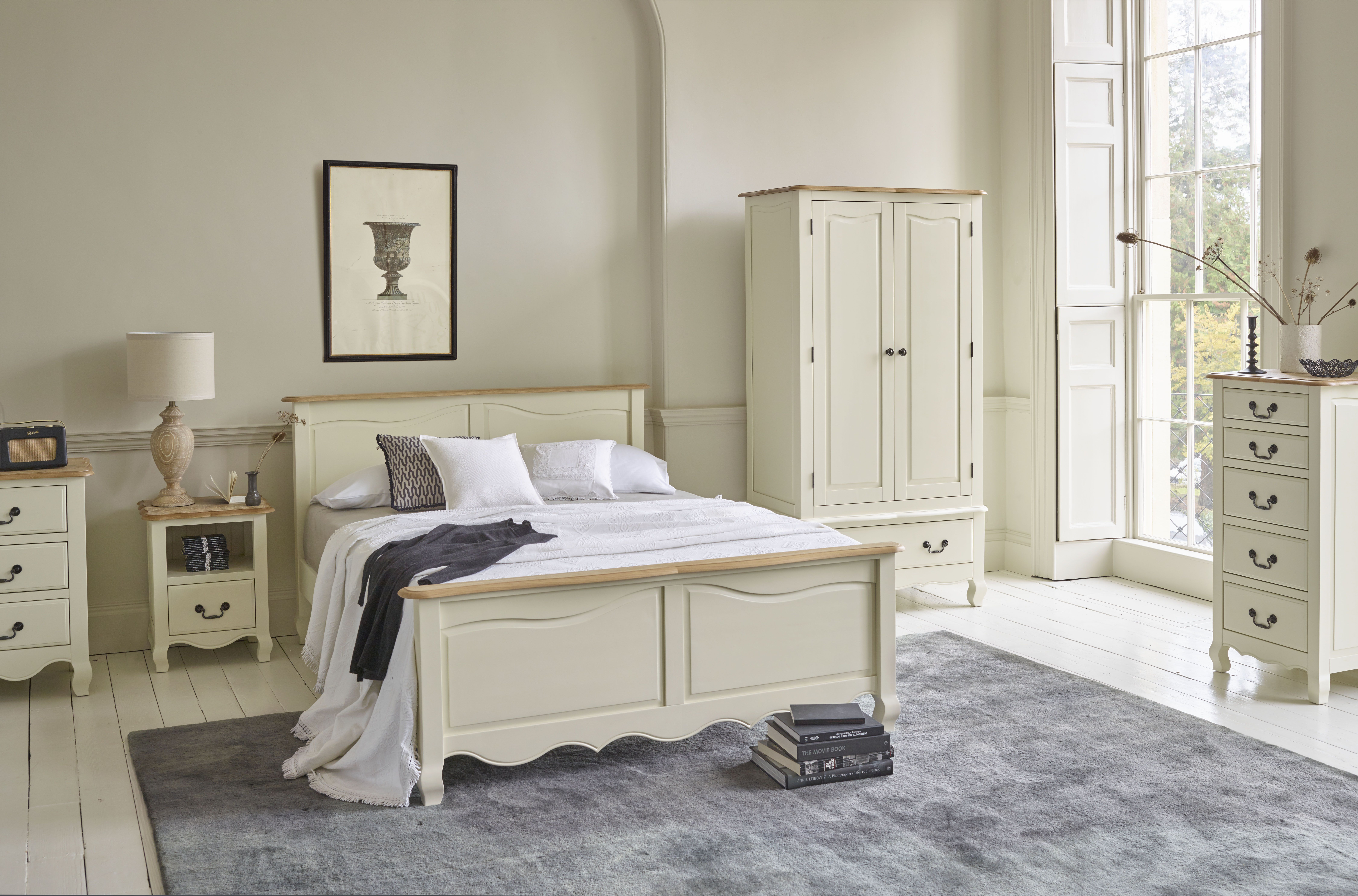 The Bella Brushed Oak And Cream Painted Range Features A French Washed Solid O Oak Bedroom Furniture Cream Bedroom Furniture Traditional Living Room Furniture