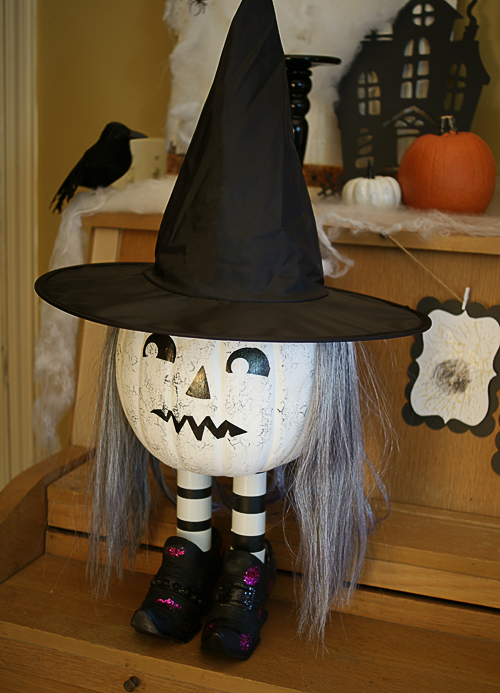 How to make a pumpkin witch!