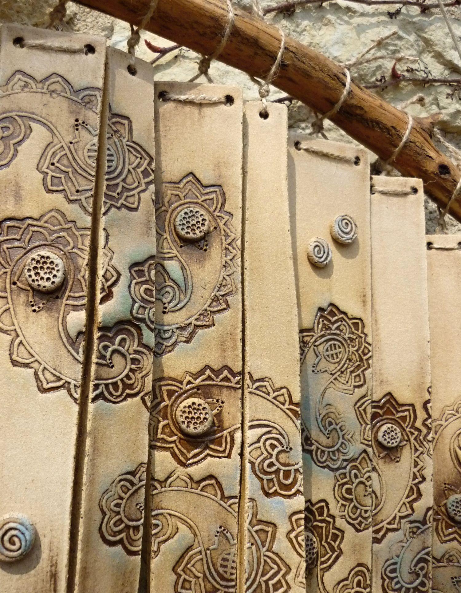 Krásně zvoní i sedmá Keramická, krásně zvonící zvonkohra Rozměr cca 30 x 43 cm