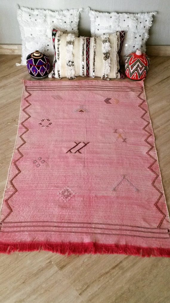 Carpet Berber Woven By Hand In Sabra Dimensions L 1 49 M Excluding Fringe 96 Cm The Is A Vegetable Fiber Derived From Aloe Vera And Also