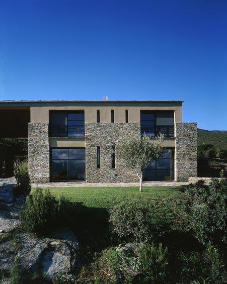 voici une charmante petite maison corse maison pierre. Black Bedroom Furniture Sets. Home Design Ideas