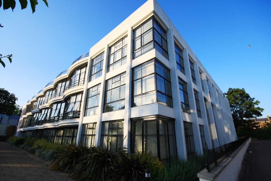 Riley Marshall 2 Bedroom Apartment To Rent The Pioneer Centre Peckham Se15 Apartments For Rent Property Estate Agent