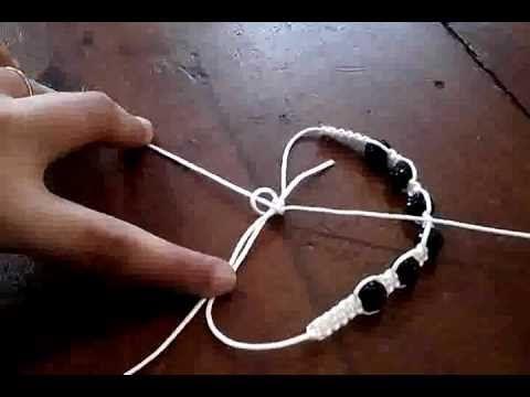 comment realiser un shamballa bijoux pinterest bracelets macram et bijou. Black Bedroom Furniture Sets. Home Design Ideas
