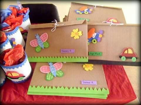 Carpetas para trabajos preescolar diy pinterest for Decoracion para jardin de ninos