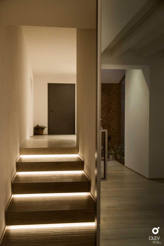 Lo Space Senza Pareti come illuminare le scale nel segno dell'eleganza e del