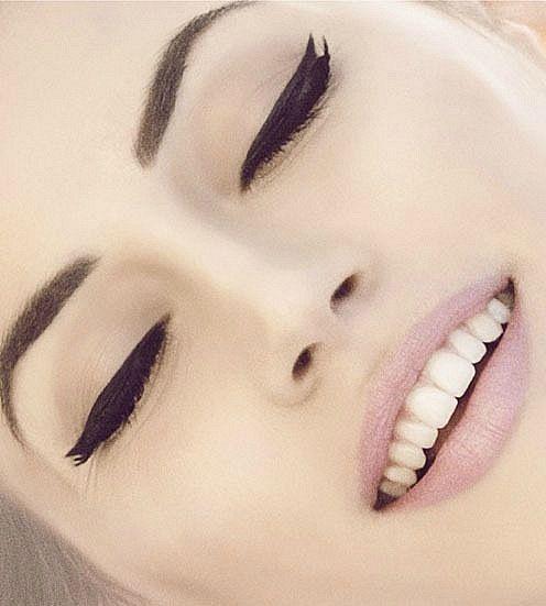 eyeliner!!