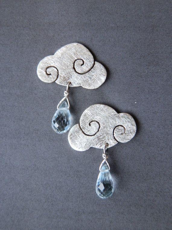 Orecchini SWEET CLOUDS nuvole d'argento con gocce di pioggia di topazio azzurro