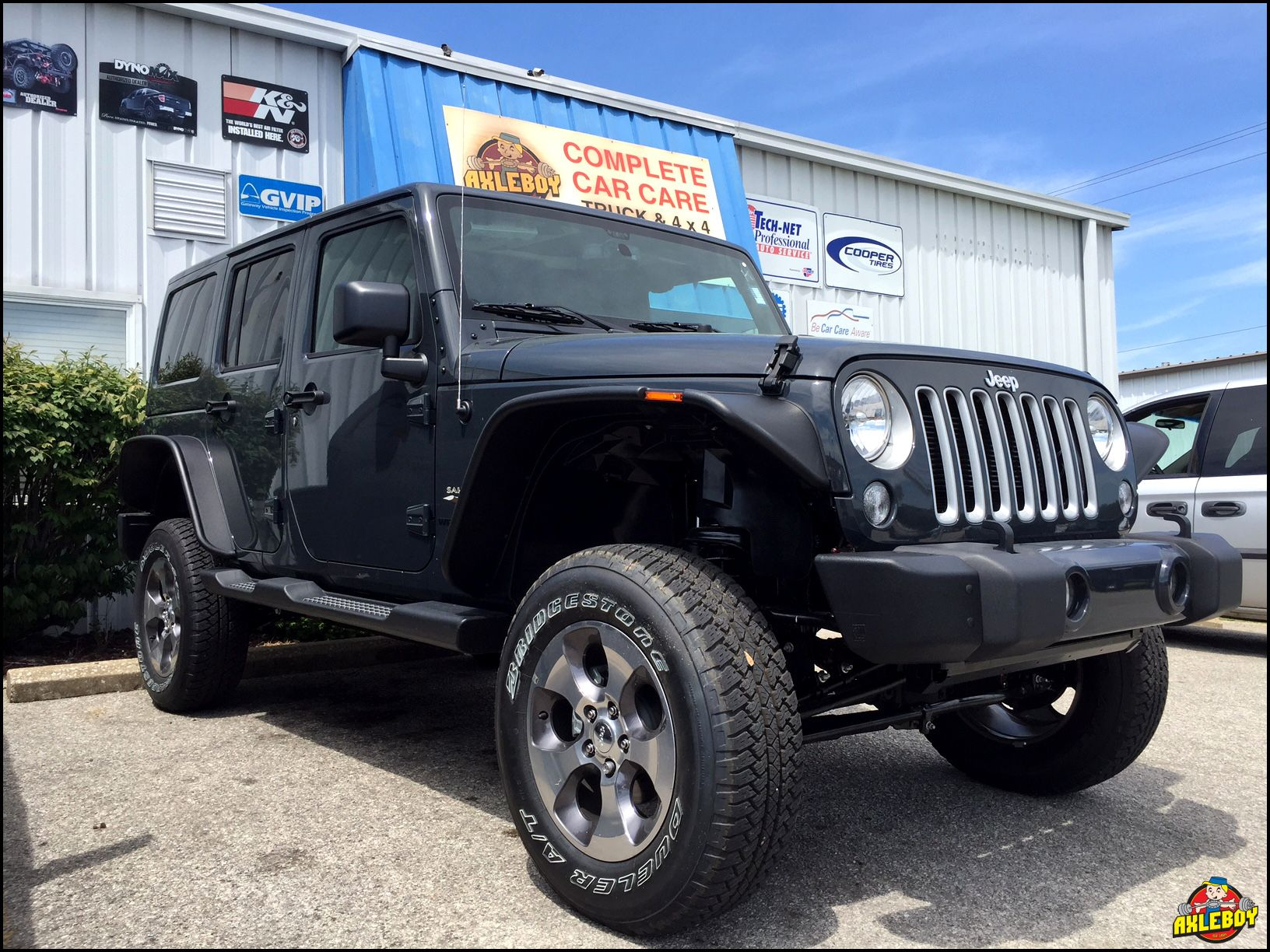 All That Lift 3 Teraflex And Flat Fenders On A 2016 Jeep Wrangler And Still Rolling On Stock Tires And Wheels Lol Jeep Shop 2016 Jeep Wrangler Black Jeep