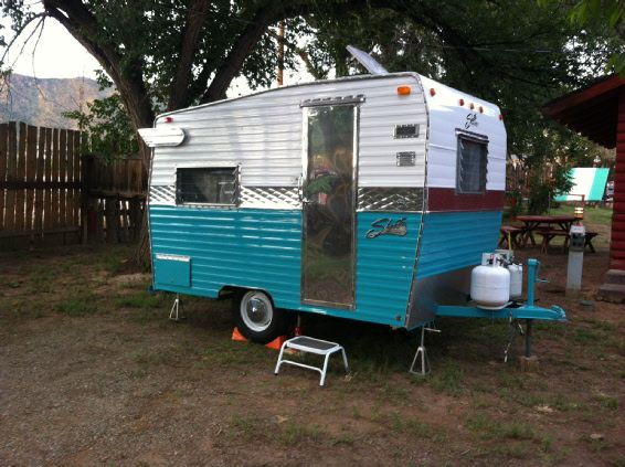 1970 Shasta Compact With Aluminum Siding Under Bed