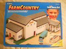 Ertl Farm Country Toy Machines Sale Auction Livestock Barn