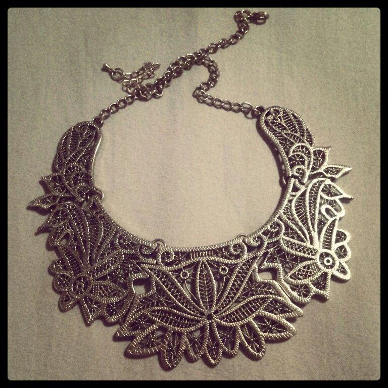 Beautiful floral necklace #vintage #retro #design #h&m ♡