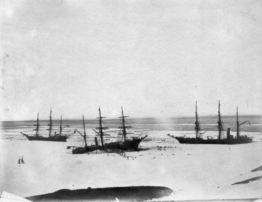 Discovery (centre) trapped by the ice in McMurdo Sound, accompanied by Morning (left) and Terra Nova (right) in February, 1904.