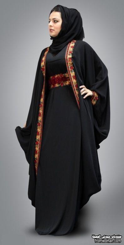 اطلاله جديدة باجمل العبايات الخليجية اشيك عبايات سوداء خليجى Abaya Designs Abayas Fashion Black Abaya Designs