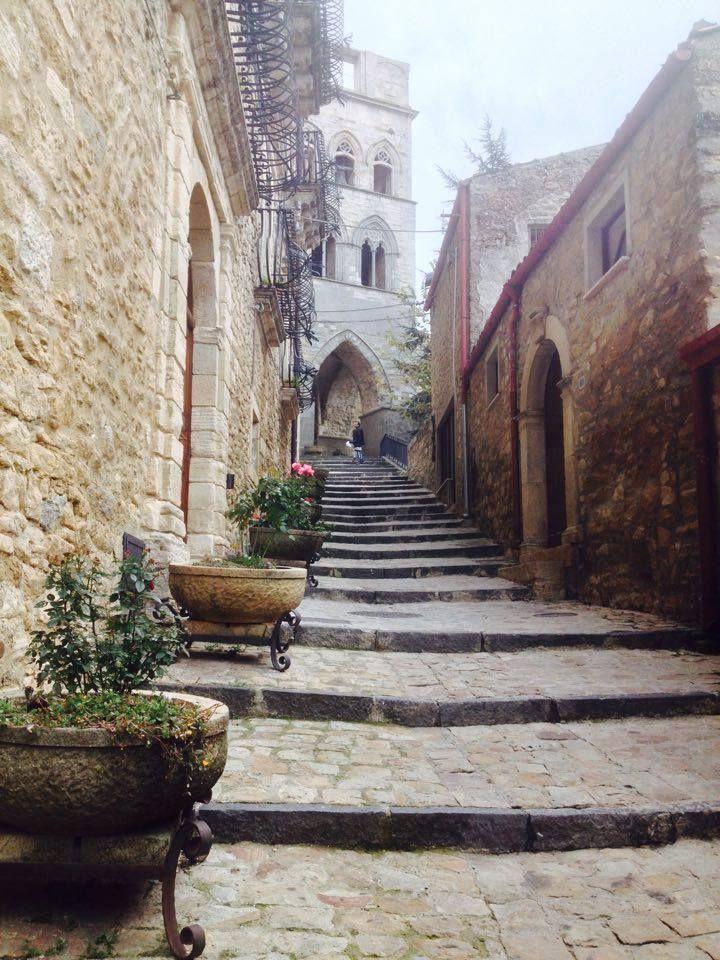 Ganci (PA)Una scalinata | Sicilia italia, Sicilia, Palermo
