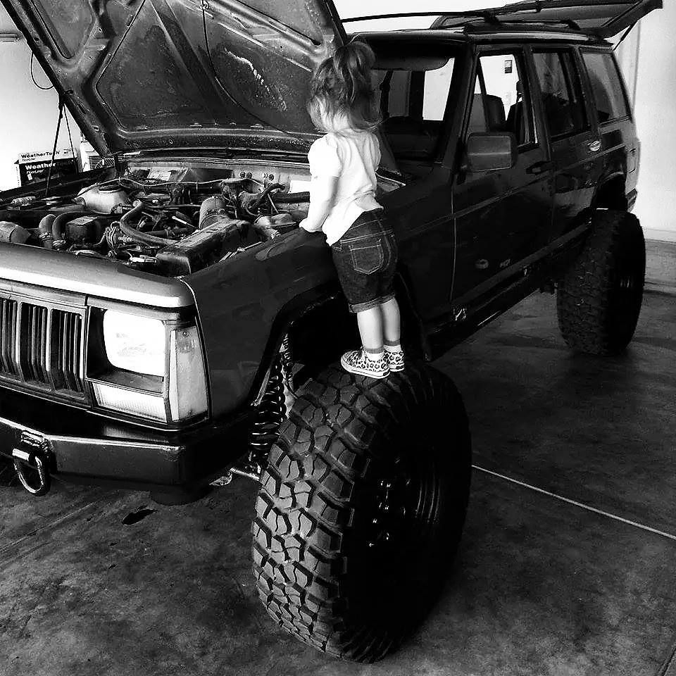 Pin On Jeeps And Babes