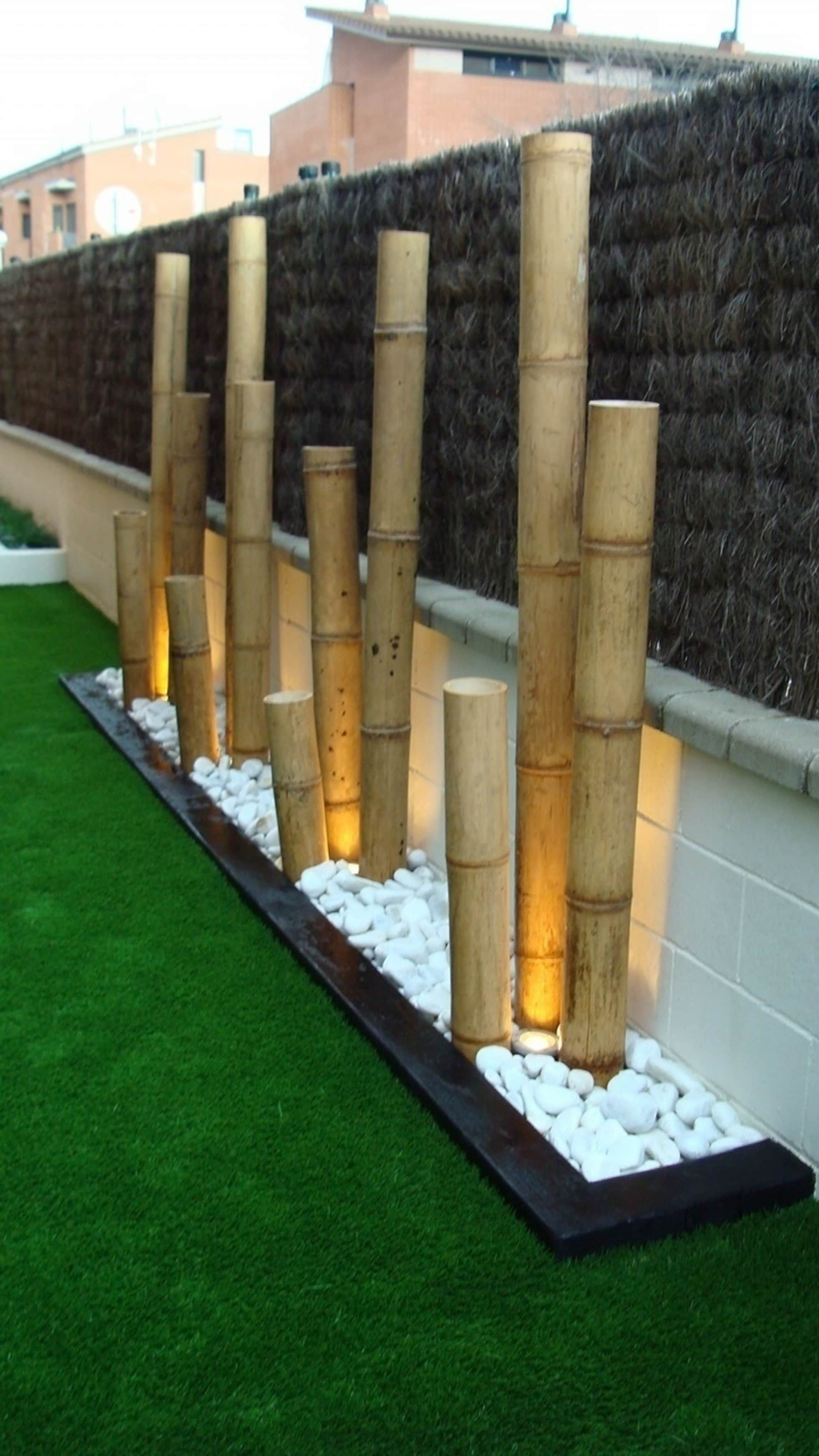 Jardinera Con Bambú Y Bolo Blanco Con Iluminación Terrazas