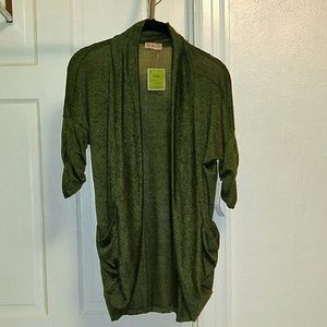 I just discovered this while shopping on Poshmark: Open Front Cardigan. Check it out! Price: $13 Size: S
