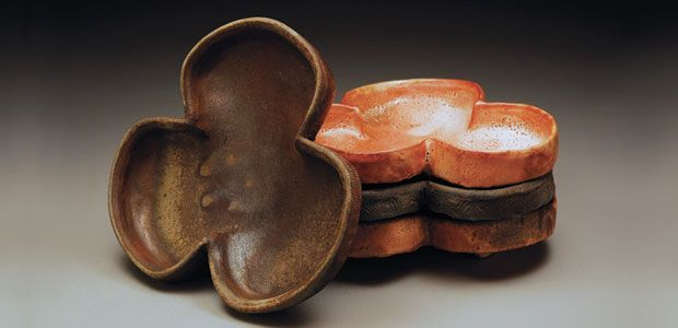 Ceramic Arts Daily – How to Make Interestingly Shaped Pots with Slump Molds