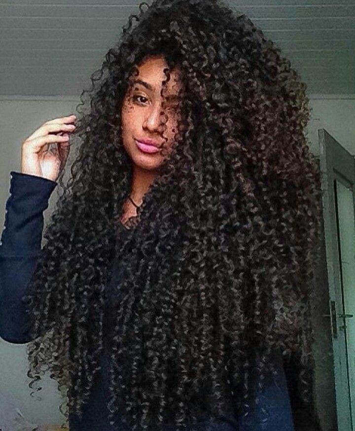 Um Dia Mas Para Ja Cganhar Coragem Para Usar Ele Curtinho Pelo Menos Uma Vez Na Vida Curly Hair Styles Naturally Curly Hair Styles Curly Hair Women