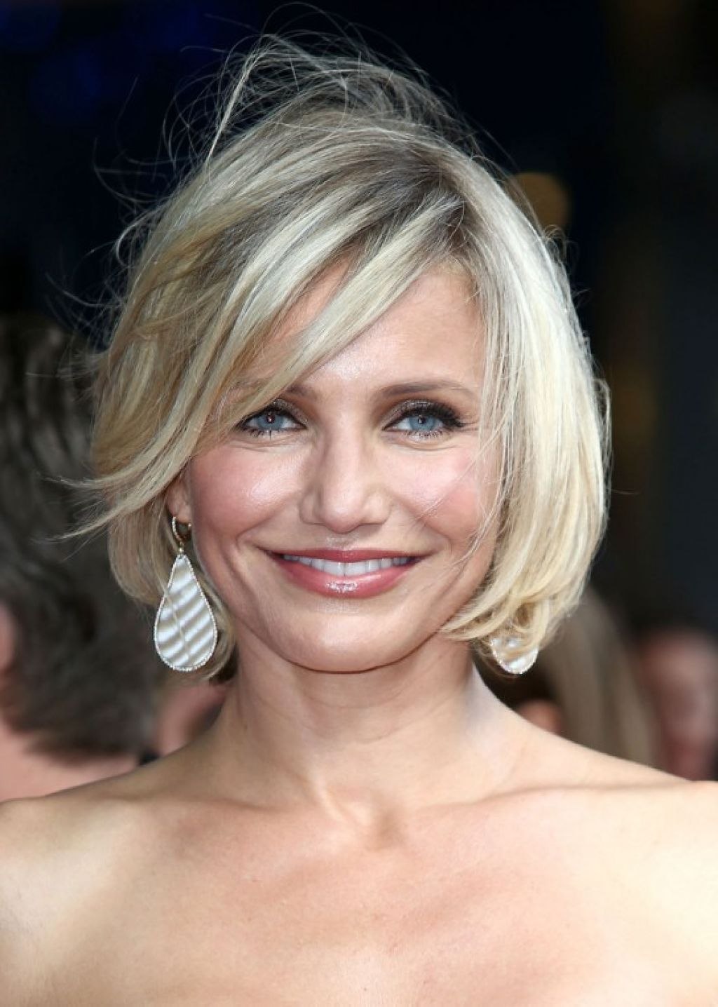 Short Hairstyles For Over 40 Year Olds Hair Styles Pinterest
