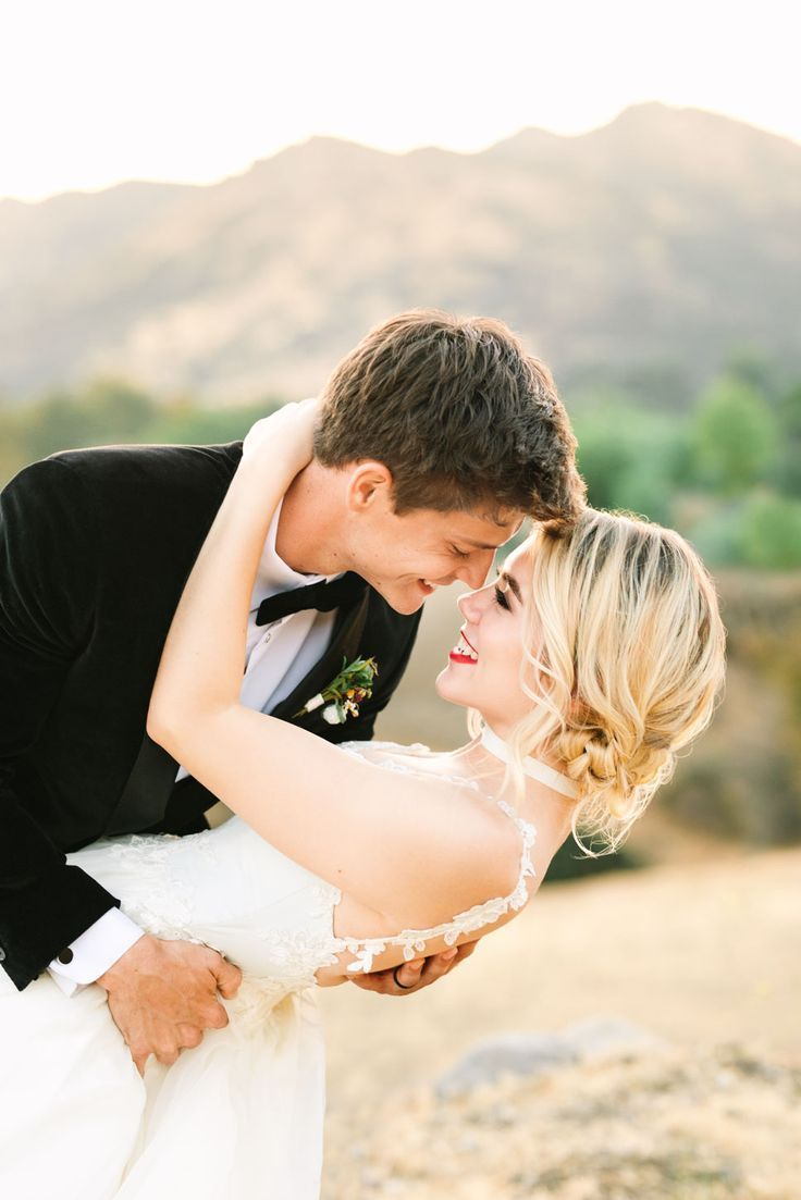 Los Angeles, CA Colorful Wedding Photography | Mary Costa Photography