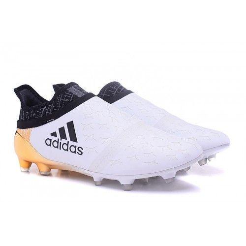 d6ec23be70772 Zapatos De Futbol Adidas 2016 Blancos  futboloutfitwoman  futbolfemenino   futboldemujeres