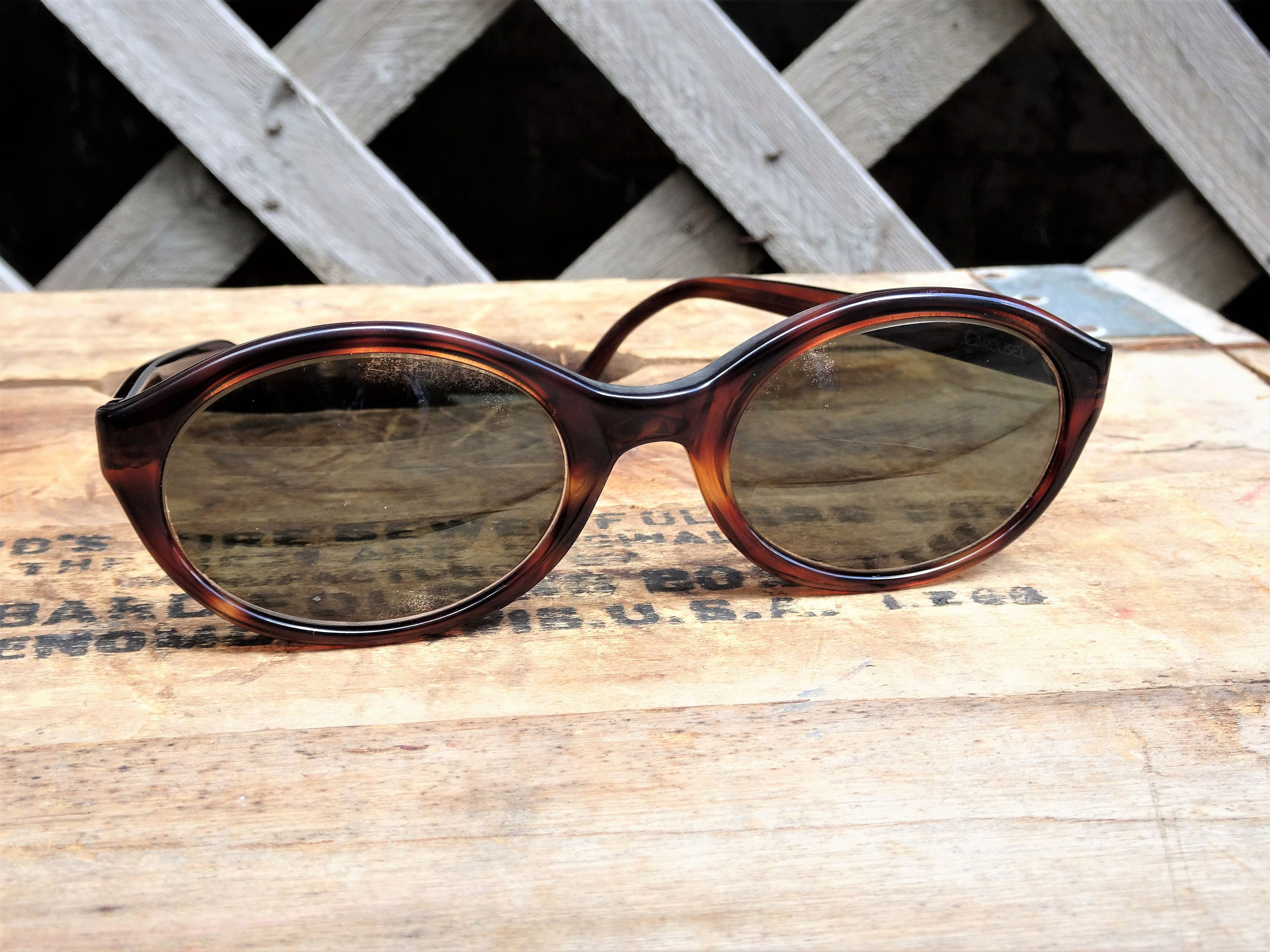 Vintage 1960's Victory Carousel Womans Oval Sunglasses