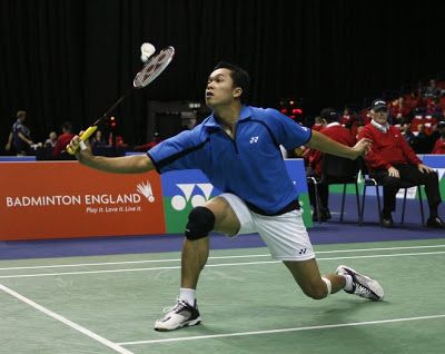 Me Trying To Save A Smash Doesn T Always Work Badminton Pictures Badminton Funny