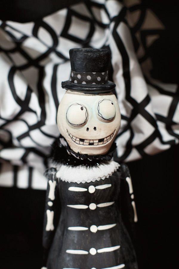 15 Elegant Black And White Halloween Decor Ideas Halloween stuff