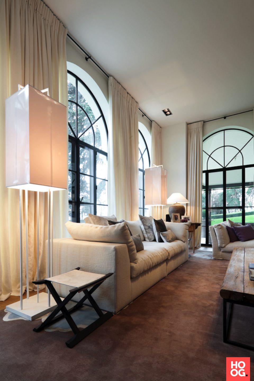 Modern landelijk interieur met luxe meubels interieur for Woonkamer design