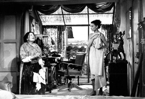 Gregory Peck S Apartment In Roman Holiday I Loved The Giant Windows And Patio Beyond Them It Seems Like Such A Cozy Little