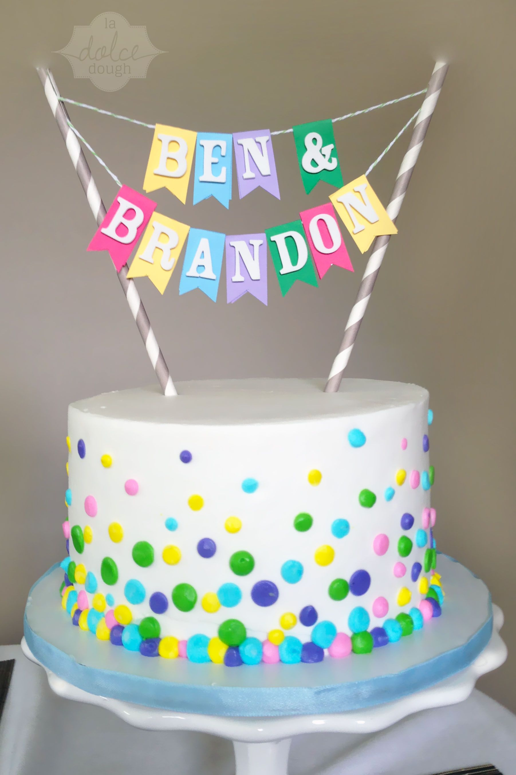 Remarkable Confetti Cake For A Twins Birthday With Images Twin Birthday Personalised Birthday Cards Veneteletsinfo